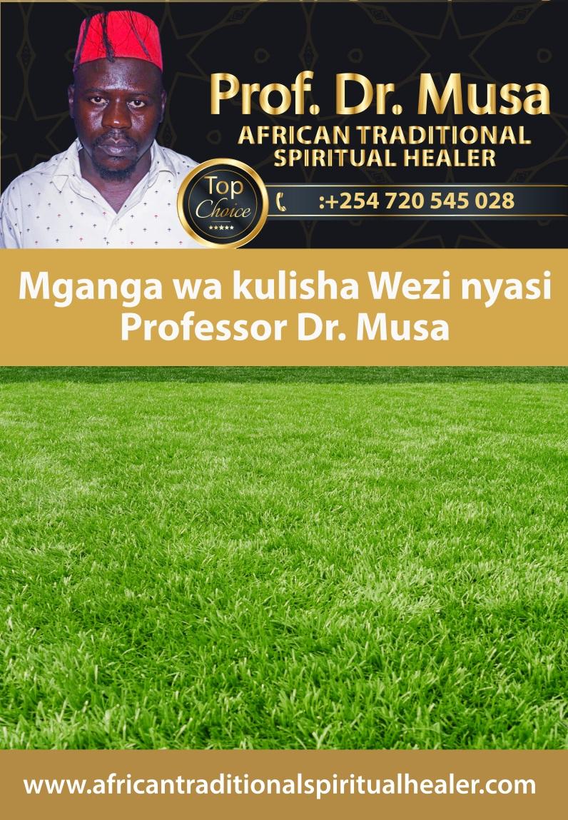 Mganga wa kulisha watu nyasi Professor Dr. Musa